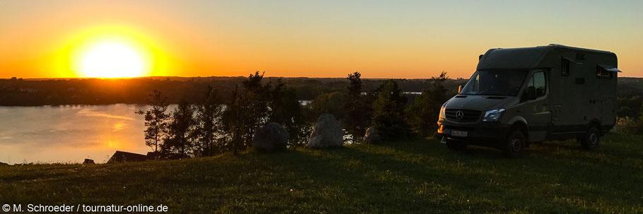Blick vom terrassenförmig angelegtem Campingplatz am Klodno-See