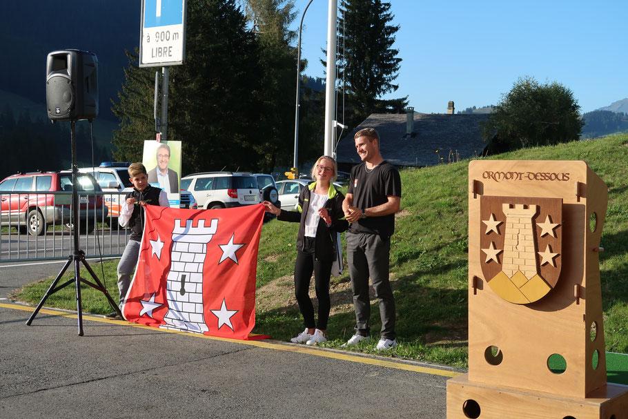 Ici au Col des Mosses, avec Hugo et Cloé qui ont été chercher le drapeau olympique à Lausanne. A droite, Arnaud Guex de Leysin, qui a participé au JOJ 2016 à Lillehammer