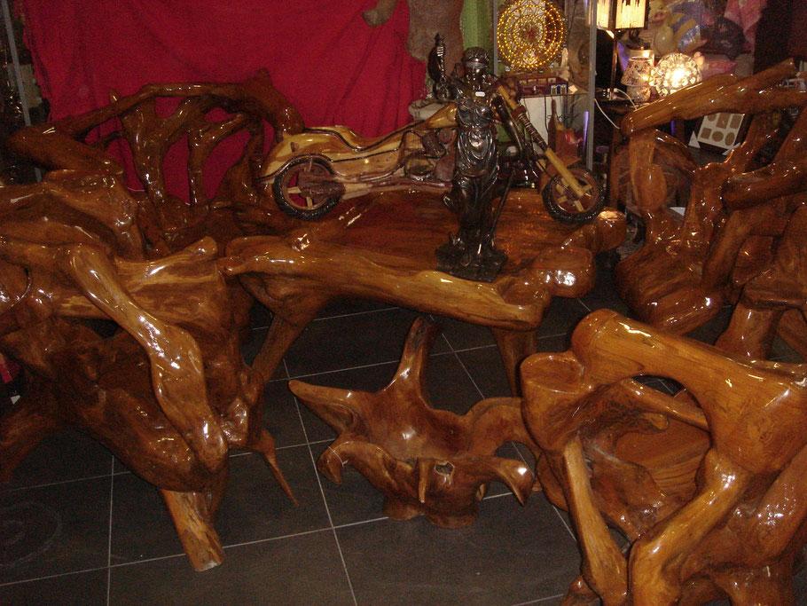 muebles de jardín, raíz de teca, teka, mesa, bancos, medera de teca