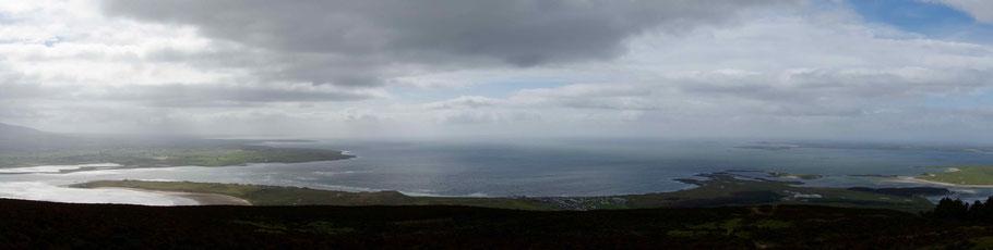 Sligo Bucht bei Strandhill vom Knocknarea aus.