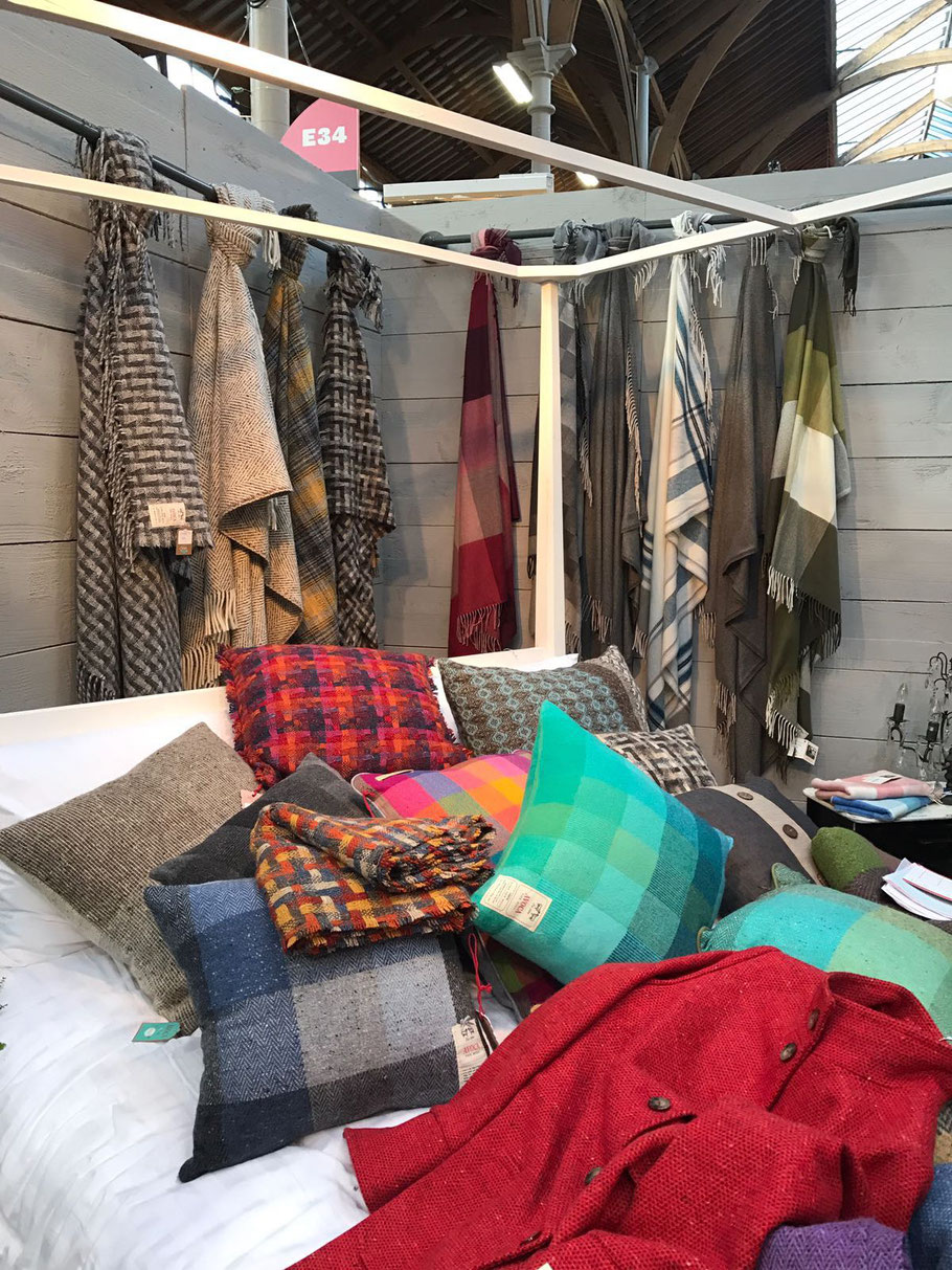 Plaids, coussins, manteaux en Tweed - Throws, cushions and Tweed coats