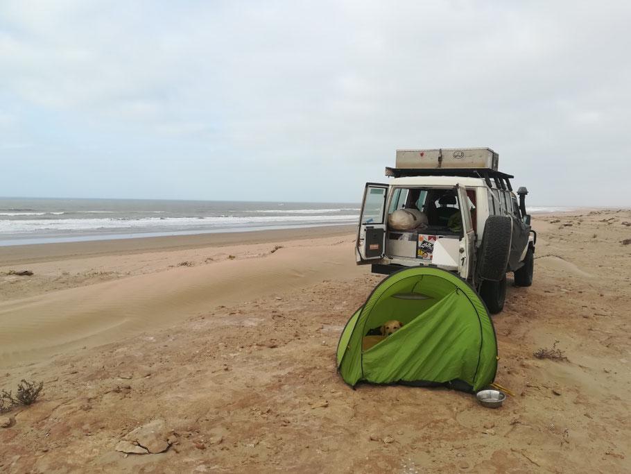 Unser Schlafplatz am Meer bei N27° 42.145 W013° 08.220