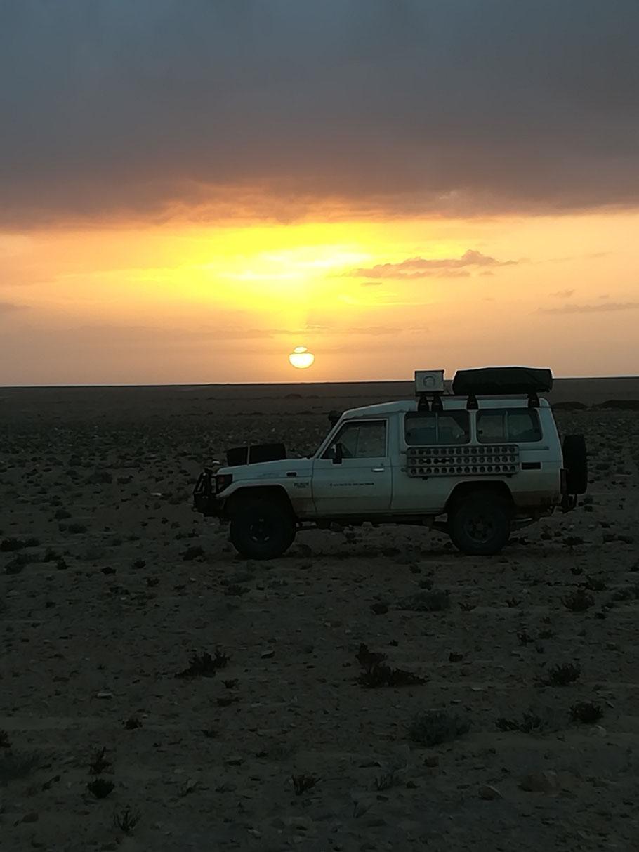 Sonnenaufgang in der West-Sahara