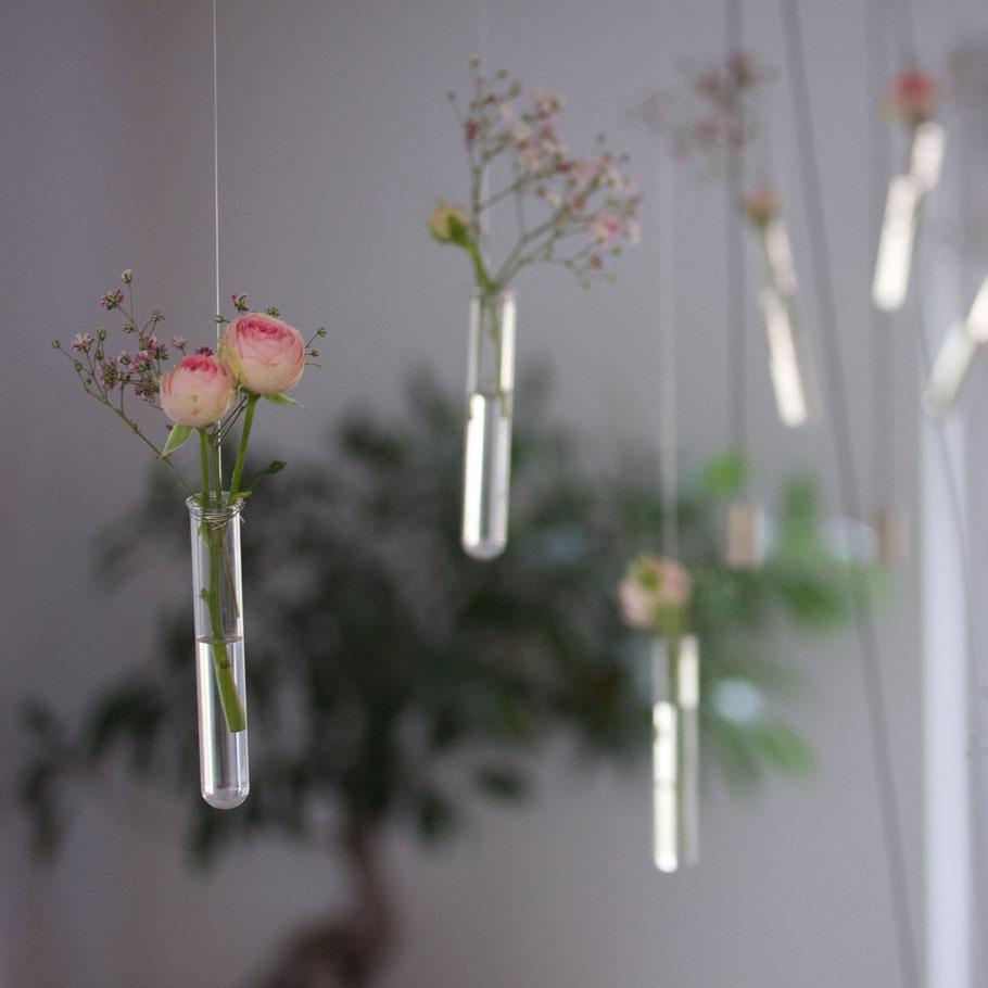 Vasen hängende Glasvasen Frühling Rosen hängende Blumen Dekoration