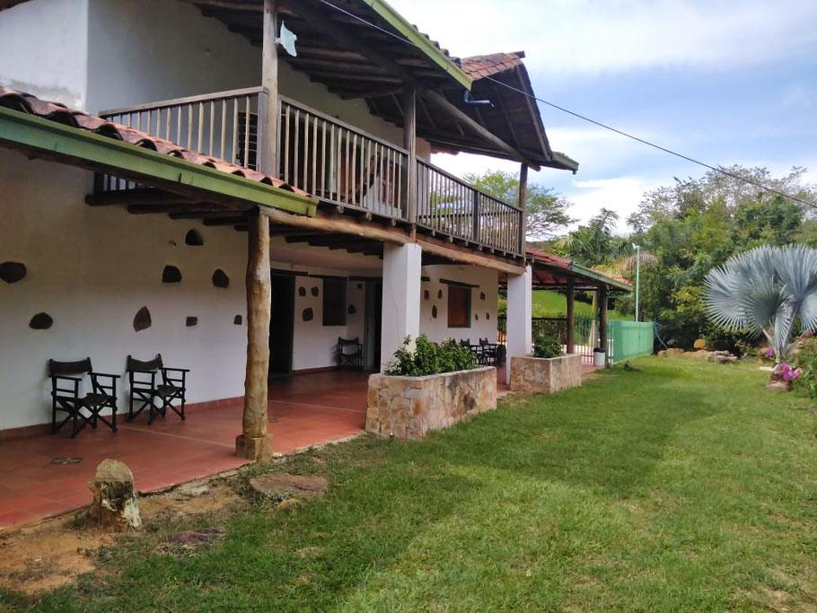 Cabaña en san gil, hace parte de este hermoso conjunto campestre hotel codigo 004, Fincas, cabañas y apartamentos para turismo en san gil, barichara, curiti, charala, socorro, paramo, valle de san jose,
