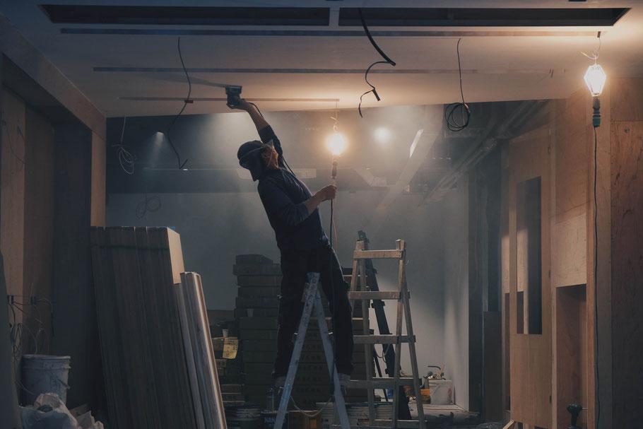 Wir renovieren Ihre Wohnung und rund um´s Haus Renovieren von Innenräumen in Frankfurt und Umgebung