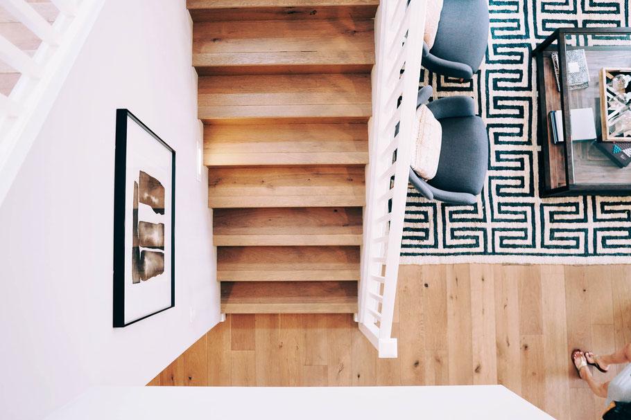 Treppen aus Metall, Holz oder Stahlbeton sanieren, reinigen, flicken, renovieren, lackieren und sonstiges