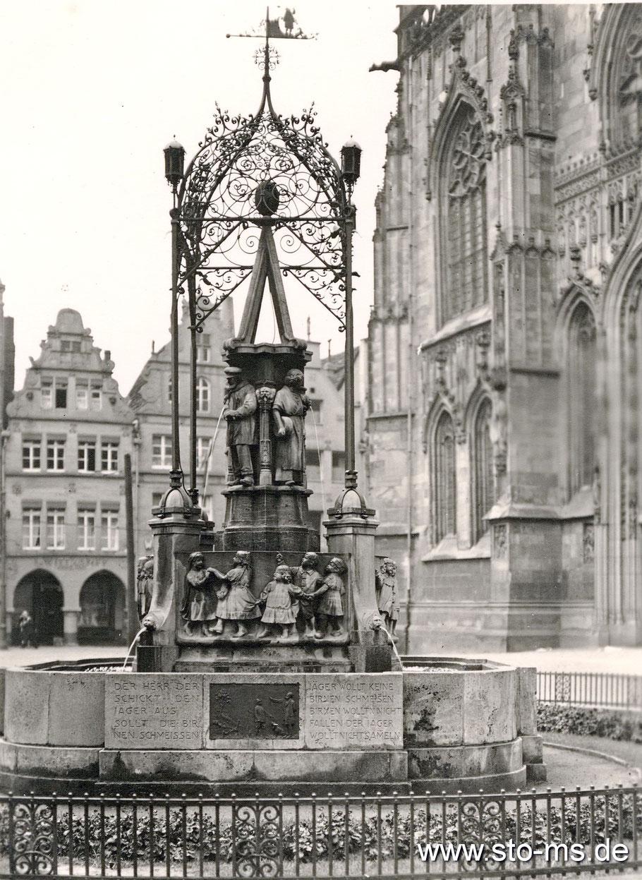 Der Lambertibrunnen um 1930 - Foto Carl Pohlschmidt