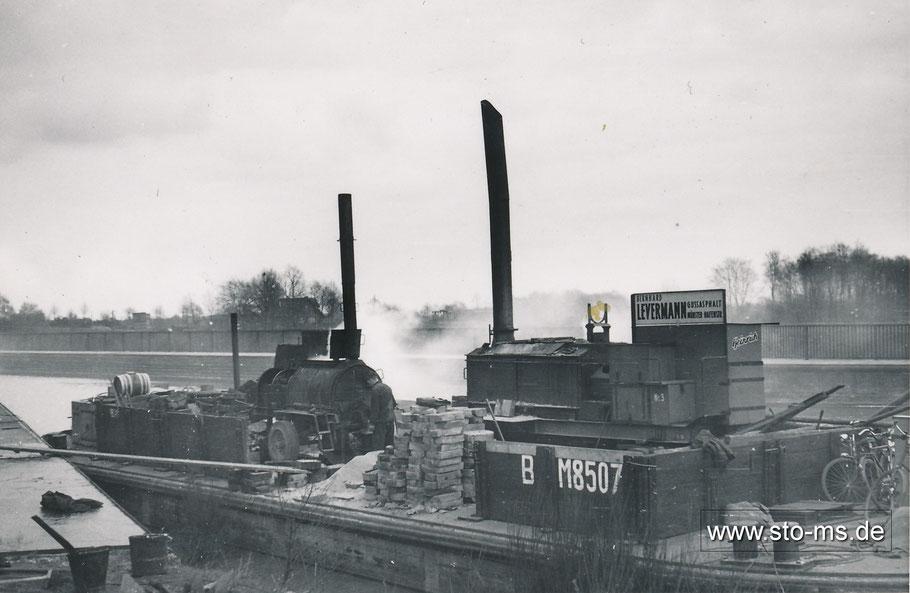 Ein Teerkocher auf dem Dortmund-Ems-Kanal