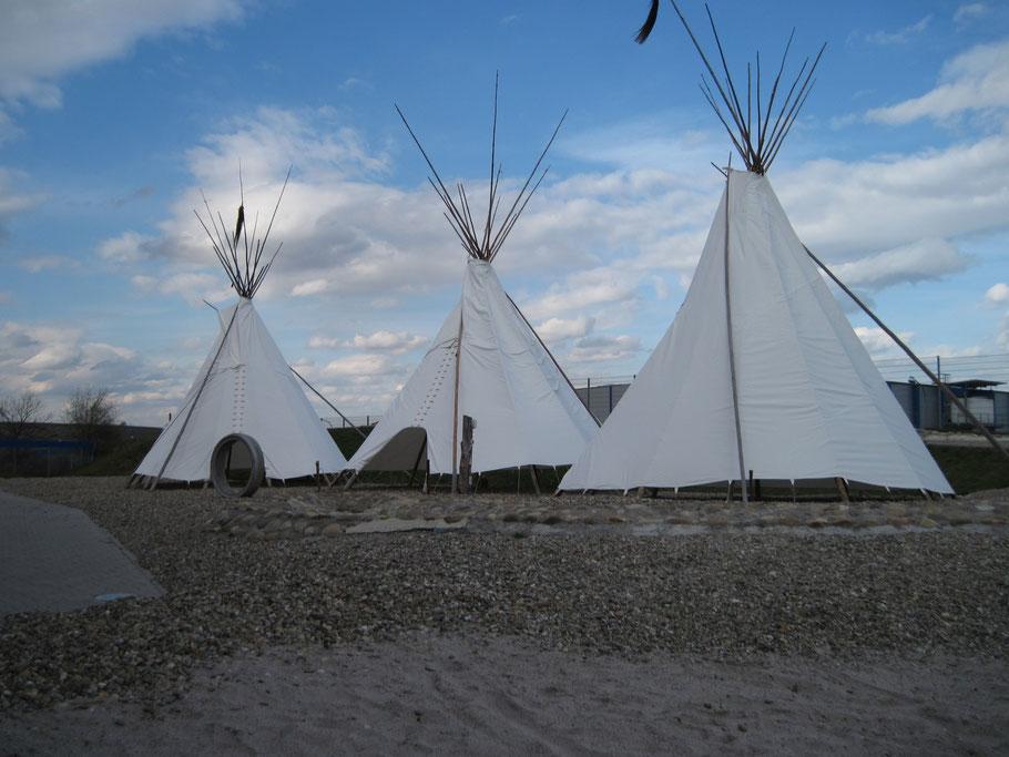Tipis von TIPI-WELTEN im Außenbereich des OkiDoki - Kinderland in Alzey 2010