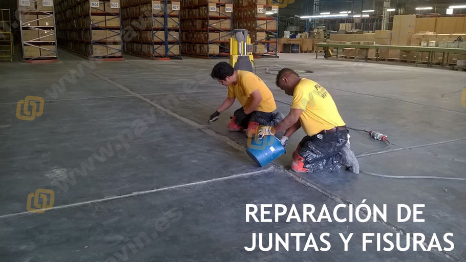 Juntas, fisuras y desperfectos en el pavimento de hormigón bien reparados por Grupo Pavin