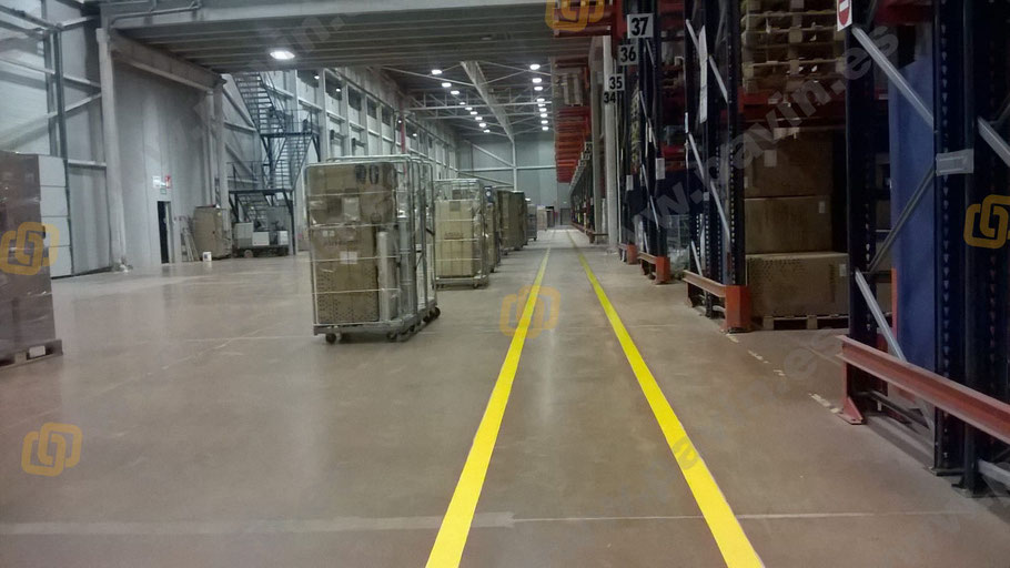 Señalización de pasillos peatonales en la empresa por Grupo Pavin
