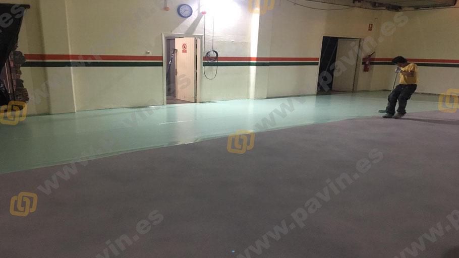 Capa a labio de goma para la aplicación de pavimentos industriales para salas blancas ( ESD ) por Grupo Pavin