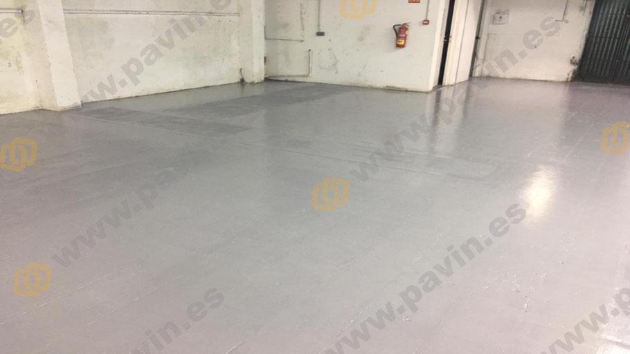 Regularización del soporte con morteros cementosos aplicación por Grupo Pavin de una resina epoxi sobre cerámica