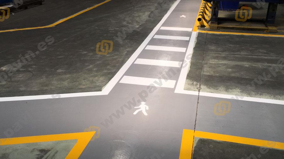 cruce de caminos para la señalización industrial para automoción