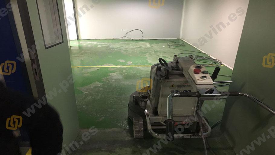 Dianovado de pavimentos para la aplicación de suelos de resina para la empresa, aplicados por Grupo Pavin