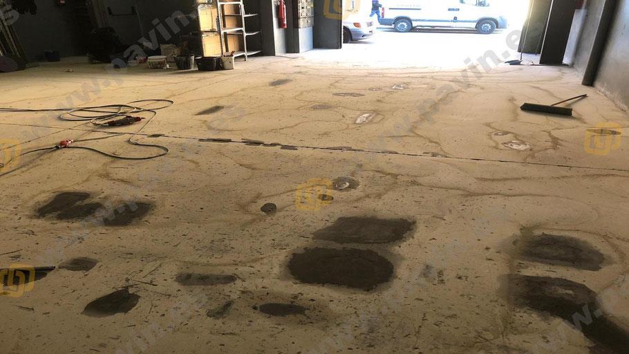 Descontaminación del soporte de hormigón por vertidos de aceites en los suelos de resinas para matricerías aplicados por Grupo Pavin