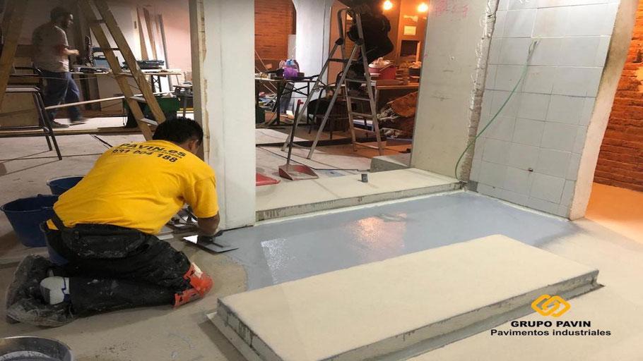 Pavimento antideslizante para la cocina de un restaurante en l'Hospitalet