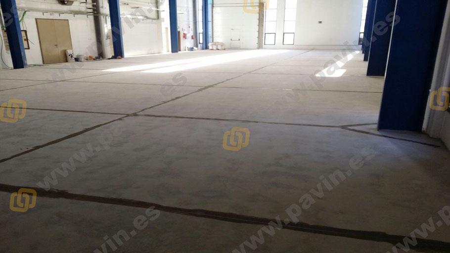 Detalle del masillado en las juntas para los pavimentos industriales de hormigón