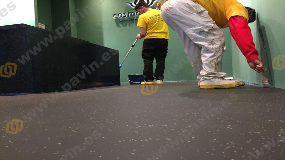 Pintar suelos con chips decorativos y Grupo Pavin
