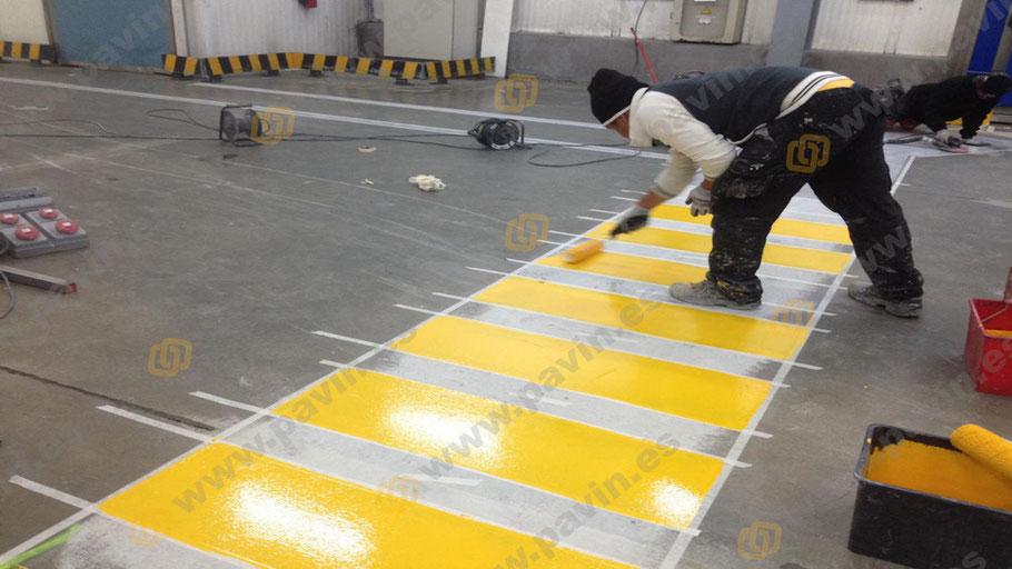 Suelos de resina con poliuretano aromático o alifático para la protección de pavimentos industriales de hormigón
