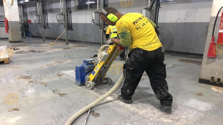 Preparación del soporte para suelos de resina epoxi autonivelante
