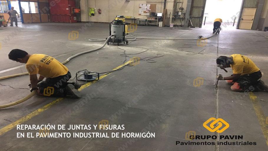 Las juntas y grietas en el pavimento de hormigón se han de abrir correctamente de manera mecánica y manual para estar seguros