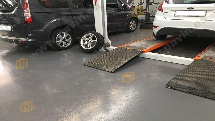 Suelos de resina para pavimentos industriales en el sector de la automoción para zona de taller y bancos de trabajo
