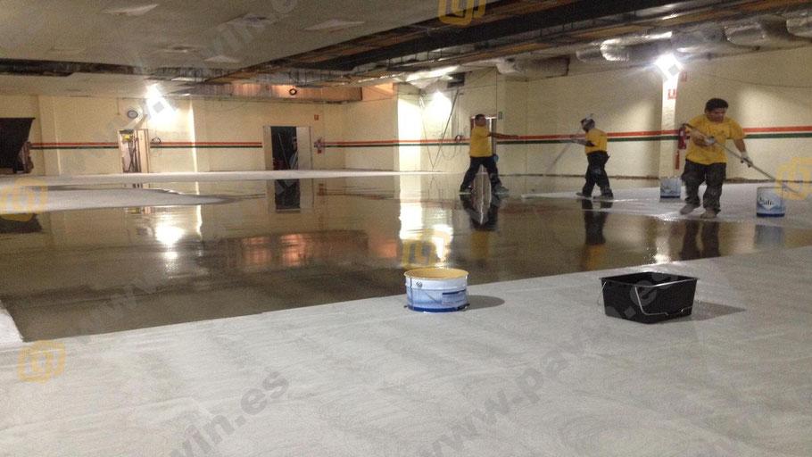 Capa de imprimación para la aplicación de pavimentos industriales para salas blancas ( ESD ) por Grupo Pavin