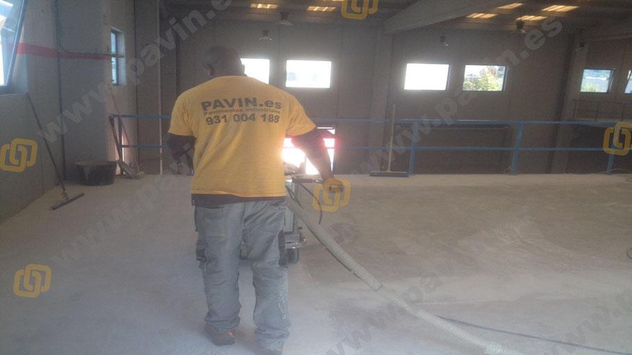 Preparación del soporte para los suelos de resina epoxi en Barcelona
