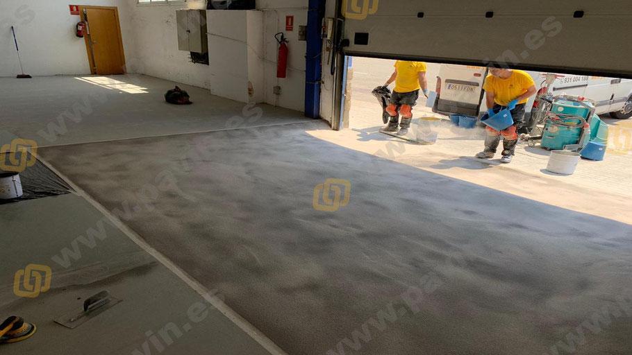 Suelos de resina epoxi para pavimentos industriales en naves de almacenaje