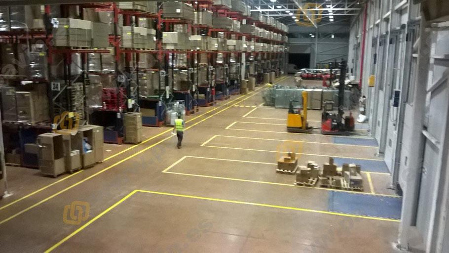 Señalización de playas y muelles de carga para la industria del transporte y la logística aplicado por Grupo Pavin