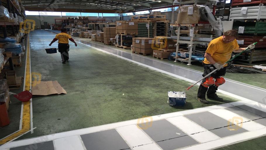 señalización industrial para automoción pintar lo trazado previamente