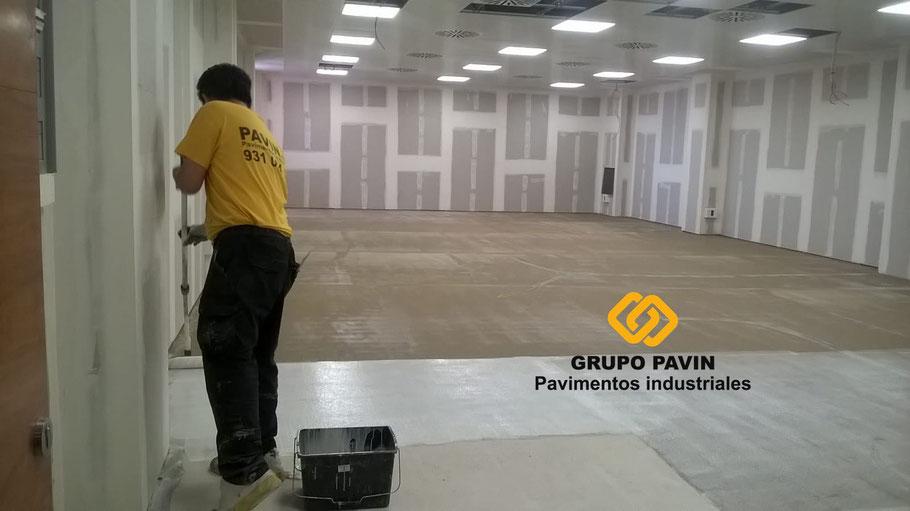 Cómo elegir un pavimento industrial de resinas