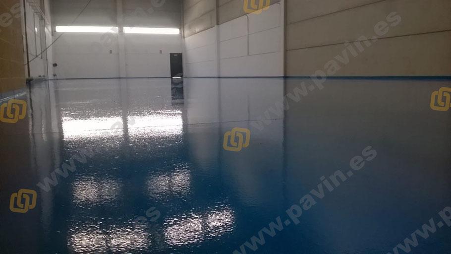 Suelos y pavimentos industriales de resinas continuos aplicados por Grupo Pavin