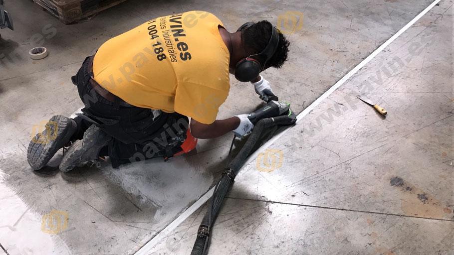 Preparación del soporte en la señalización interior y exterior para la empresa
