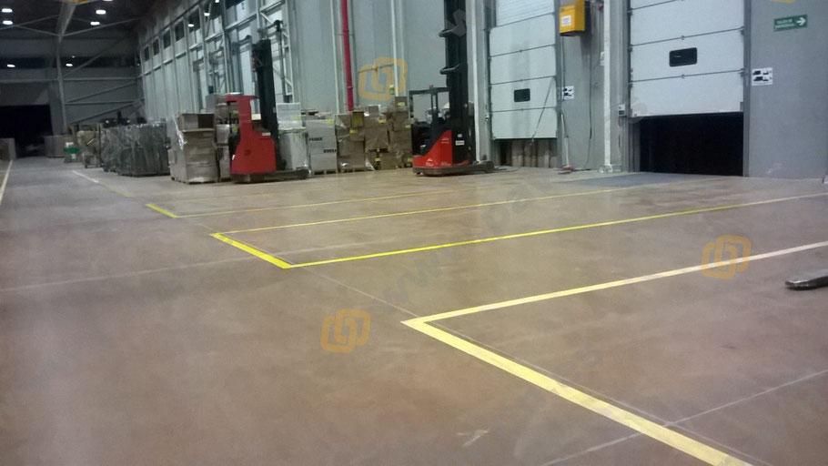 Señalización de muelles de carga y playas en la empresa logística aplicado por Grupo Pavin