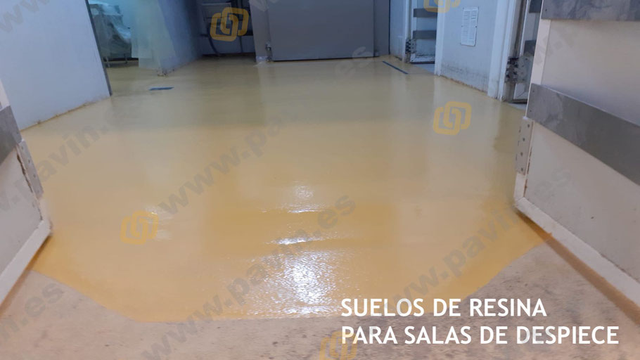 Sellado del pavimento industrial agroalimentario con resinas de poliuretano cemento para salas de despiece