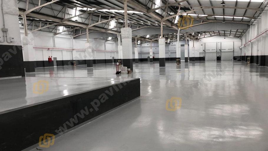 Pintar suelos con resinas adecuadas consolida la duración del soporte