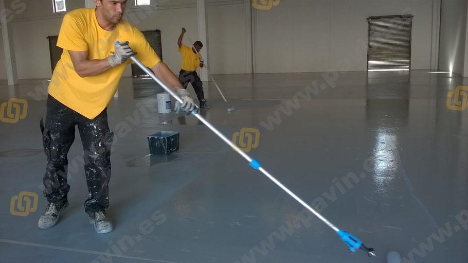 Suelos sin juntas con resinas epoxi para los pavimentos industriales en empresas del sector textil o cualquier nave con hormigón