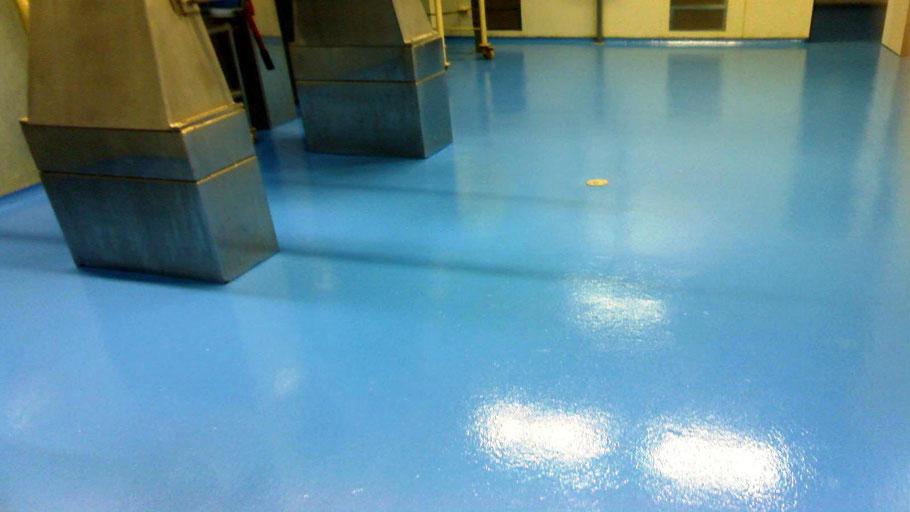 Suelos de resina para pavimentos industriales en la industria farmacéutica aplicados por Grupo Pavin