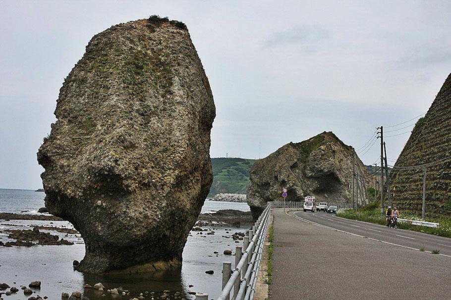 bike-tours-japan-rock-pillar