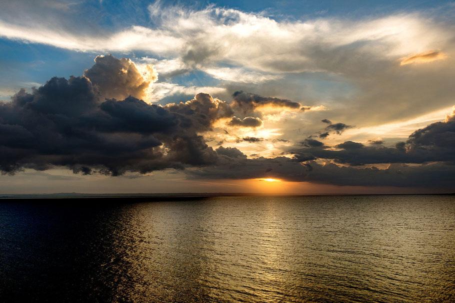Sonnenuntergang bei Tortola/Karibisches Meer