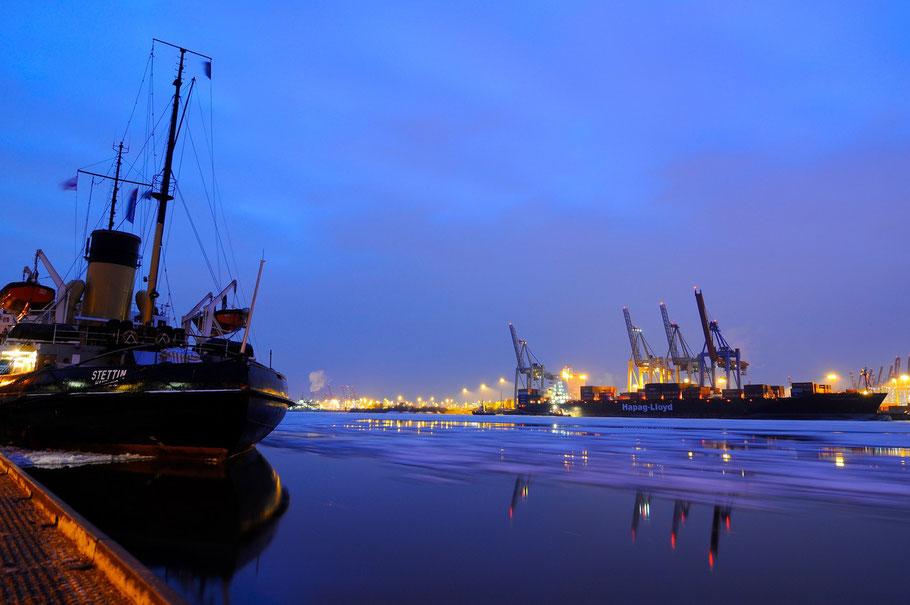 Die Stettin ist ein kohlebefeuerter Dampfeisbrecher. Der Eisbrecher hat den Status eines technischen Kulturdenkmals und liegt in Hamburg Övelgönne im Museumshafen.