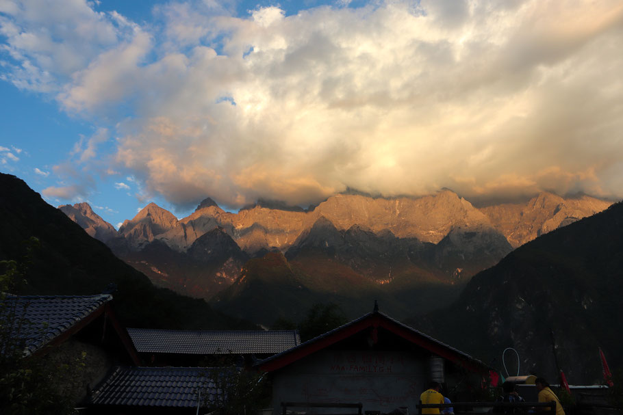View from the balcony outside my room at Naxi Family Guesthouse at sunset