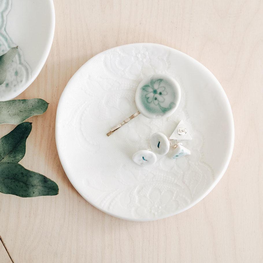fine porcelain plates lace imprinted oven proof dishwasher safe