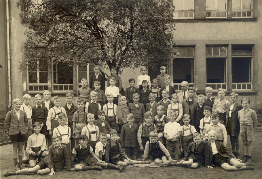 Klasse VIb von 1949 (mit dem Klassenlehrer Heinrich Kuhlmann)