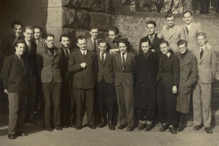 """Klasse OI von 1949 (mit dem Klassenlehrer Josef (""""Adebar"""") Schmitz)"""