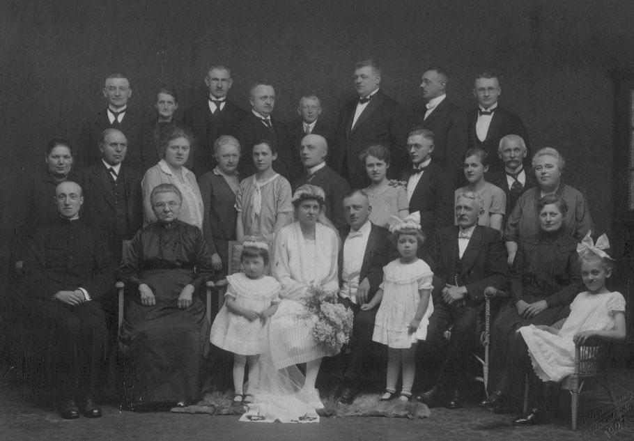 1927 Hochzeit von Maria Breimann und Adalbert Schlingschröder