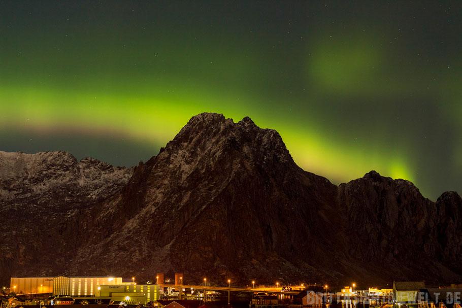 Svolvær,Svolværgeita,Hafen,Nordlicht,Polarlicht,Hurtigruten,MS,Midnatsol,grün,pink,Tipps